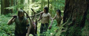 『はじまりへの旅』 ベンたちは山のなかで自給自足の生活をしている。