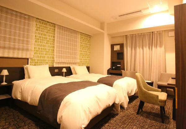 hotelmomiyaroom.jpg