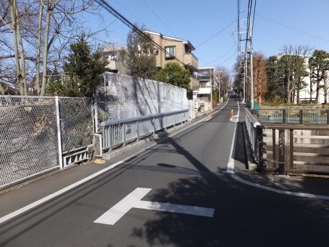 仙川に架かる大蔵水道橋