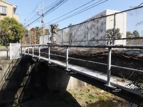 仙川を渡る水管橋