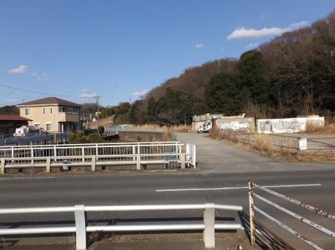 吉野橋より目久尻川上流を望む