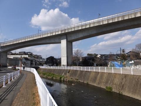 目久尻川・巡礼大橋