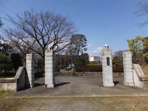 水の広場正門