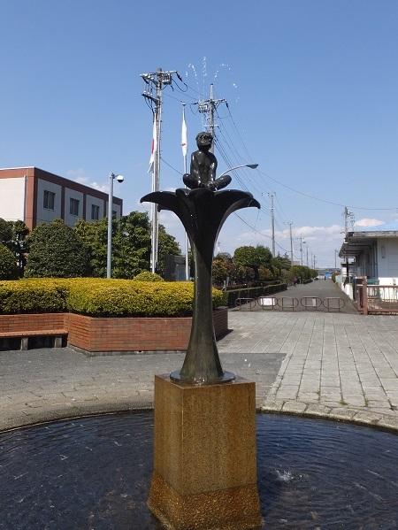 神奈川県水道記念館前噴水塔