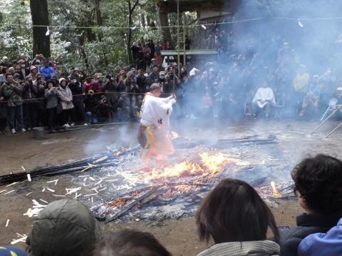 八菅神社例大祭・火渡り2017