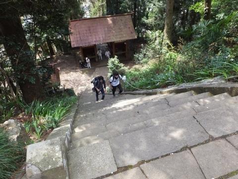 与瀬神社・五十段の階段