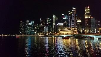 1493271173447シンガポール夜景
