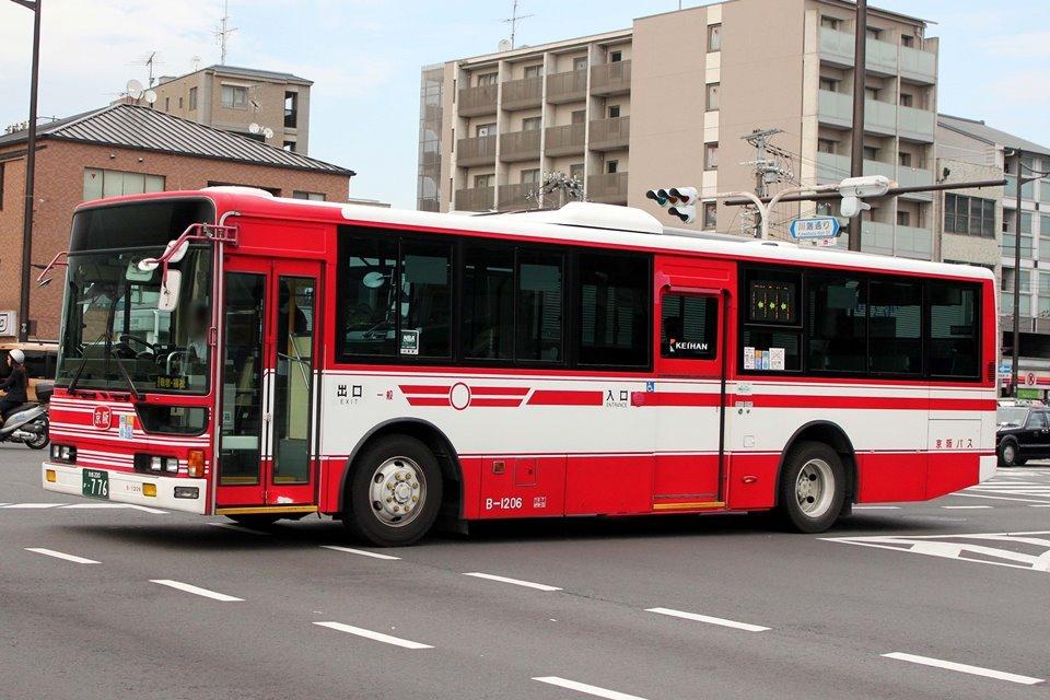 京阪バス B-1206
