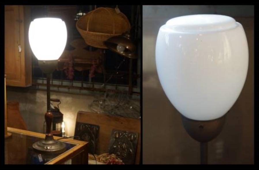0r 明治~大正時代 乳白被ガラス 卓上電気スタンド h19.5 w16.5 cm
