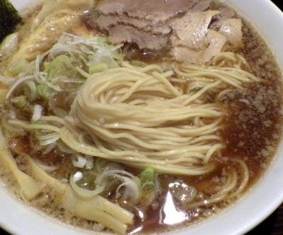 かしや 中華そば(麺のアップ)