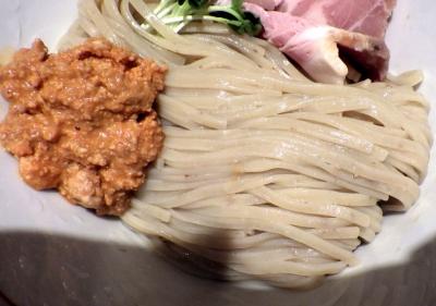 麺と心 7 アンコウ白湯つけ麺 「海のフォアグラ」 ~アン肝ムース添え~(麺のアップ)