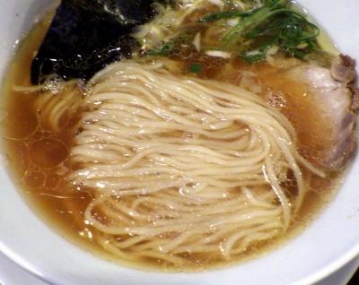 TSURUMEN 中華そば(麺のアップ)