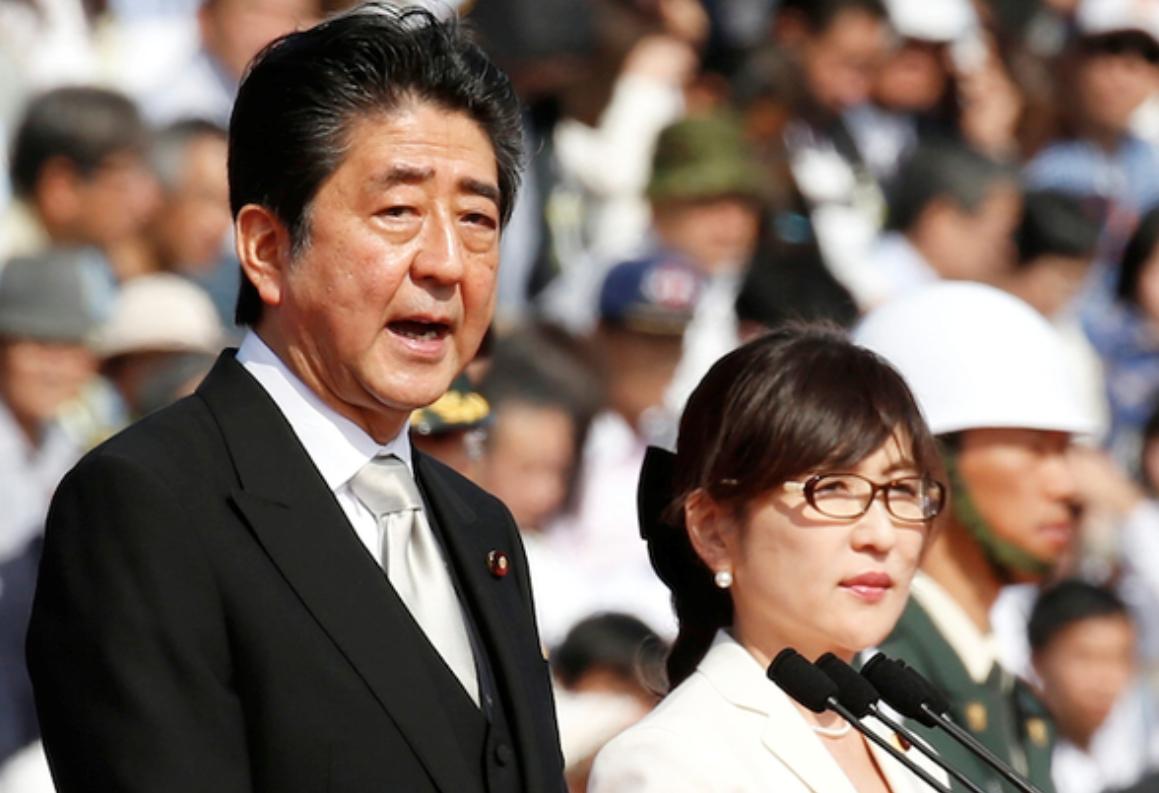安倍首相と稲田防衛大臣