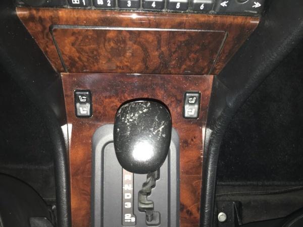 シフトレバー 傷補修 ベンツ E500