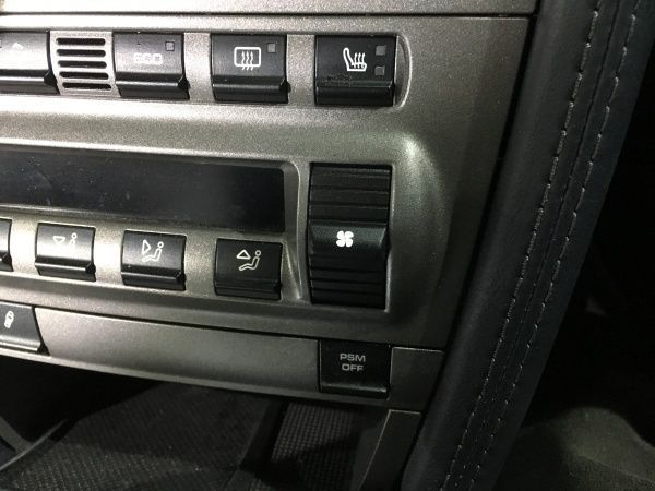 エアコンスイッチ塗装剥がれ補修 ポルシェ997