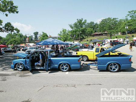 1203mt-09_slammin-and-jammin-custom-truck-show_chevy-s10-with-trailer-side-view.jpg