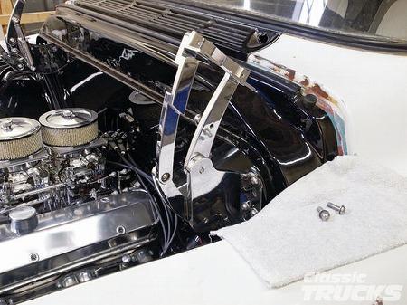 eddie-motorsports-hood-hinge-install-bolting-the-hinge-02.jpg