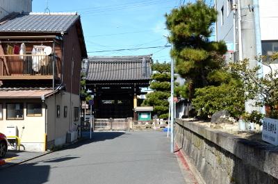 要法寺への道