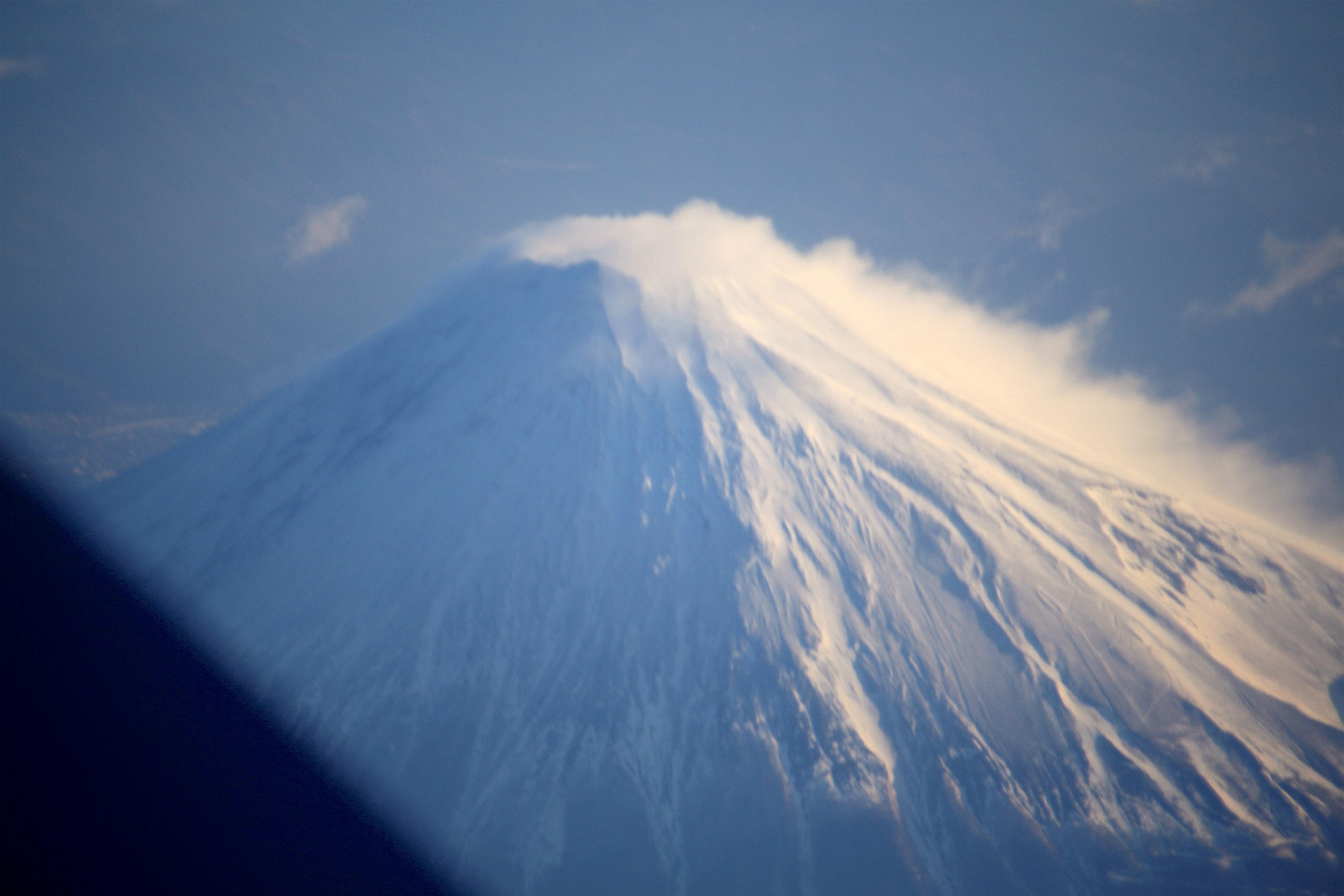 20170221行きの飛行機からの富士山