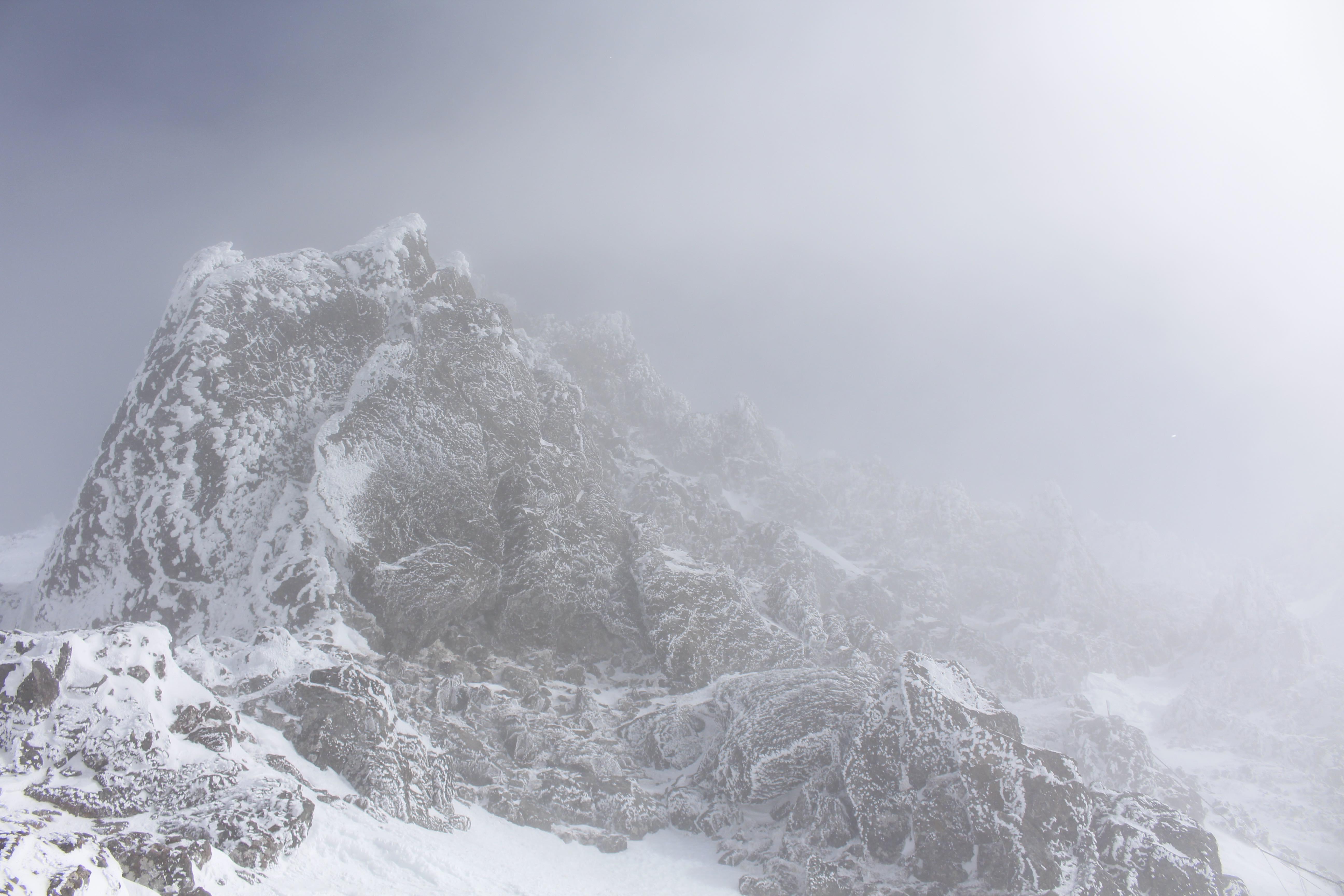20170303赤岳山頂へ1