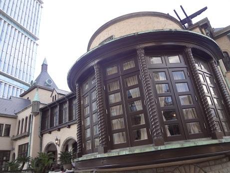 赤坂旧館窓