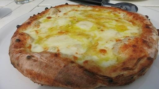 3-23チーズピザ