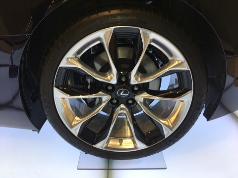 LC500hタイヤ