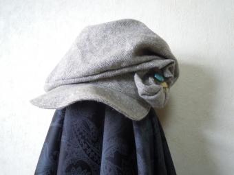 ツイードで創作帽子170307