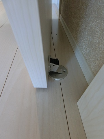 川口新築戸建ドアストッパー