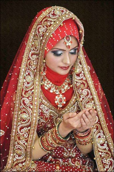 Regal-Red-Muslim-Bridal-Dress-With-Embroidered-Stones11.jpg