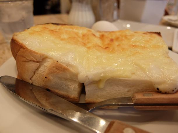 チーズグラタントースト