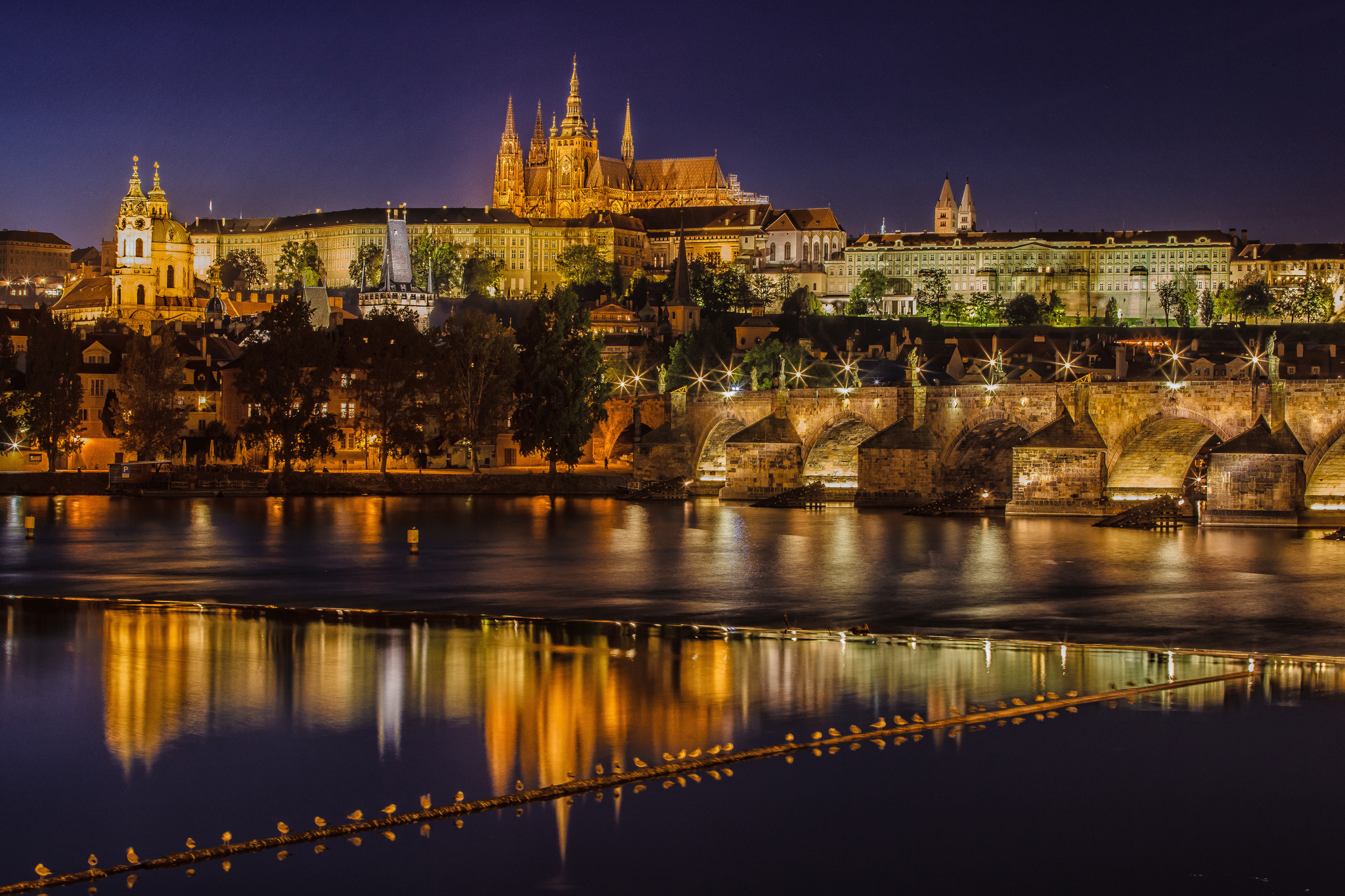 Prague-city-night-Vltava-river-medieval-palace-beauty.jpg