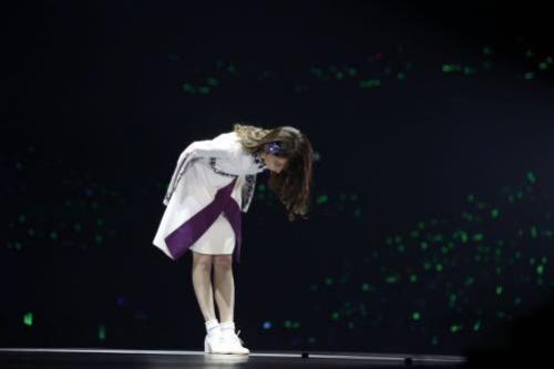 """橋本奈々未、""""号泣""""引退ライブ 人気絶頂で5年半の活動に幕「私が選んだその先に、正解があると信じています」"""