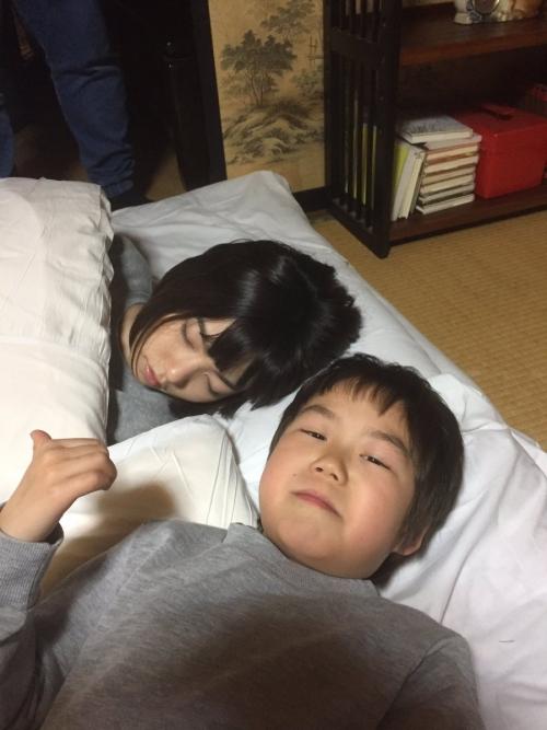 島崎遥香、「本気の寝顔」公開 あまりの可愛さに「天使の寝顔」の声