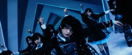 美少女ユニット「坂道AKB」大躍進 センター平手友梨奈の存在感に絶賛