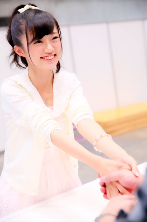 """【NGT48】""""注目のセンター""""中井りか がカワイイ デビュー曲『青春時計』のMV解禁"""
