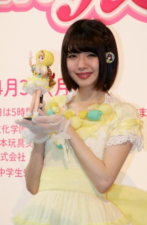 市川美織:広島レモン大使姿のコラボリカちゃんに「感無量」