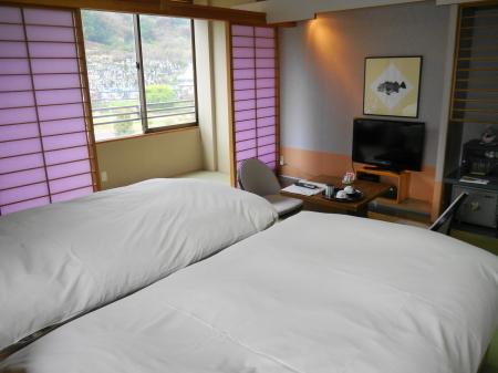 ベッドの和室