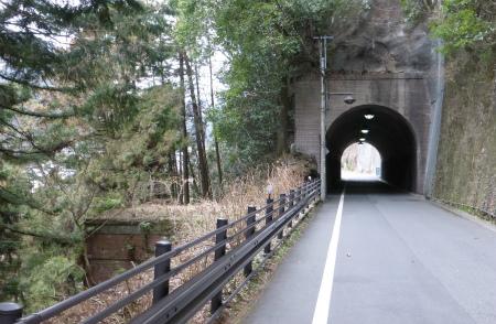 氷川隧道06