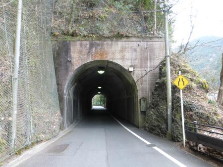 氷川隧道09