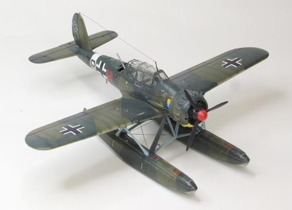 AR196 (2)