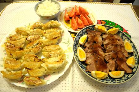 餃子と煮豚