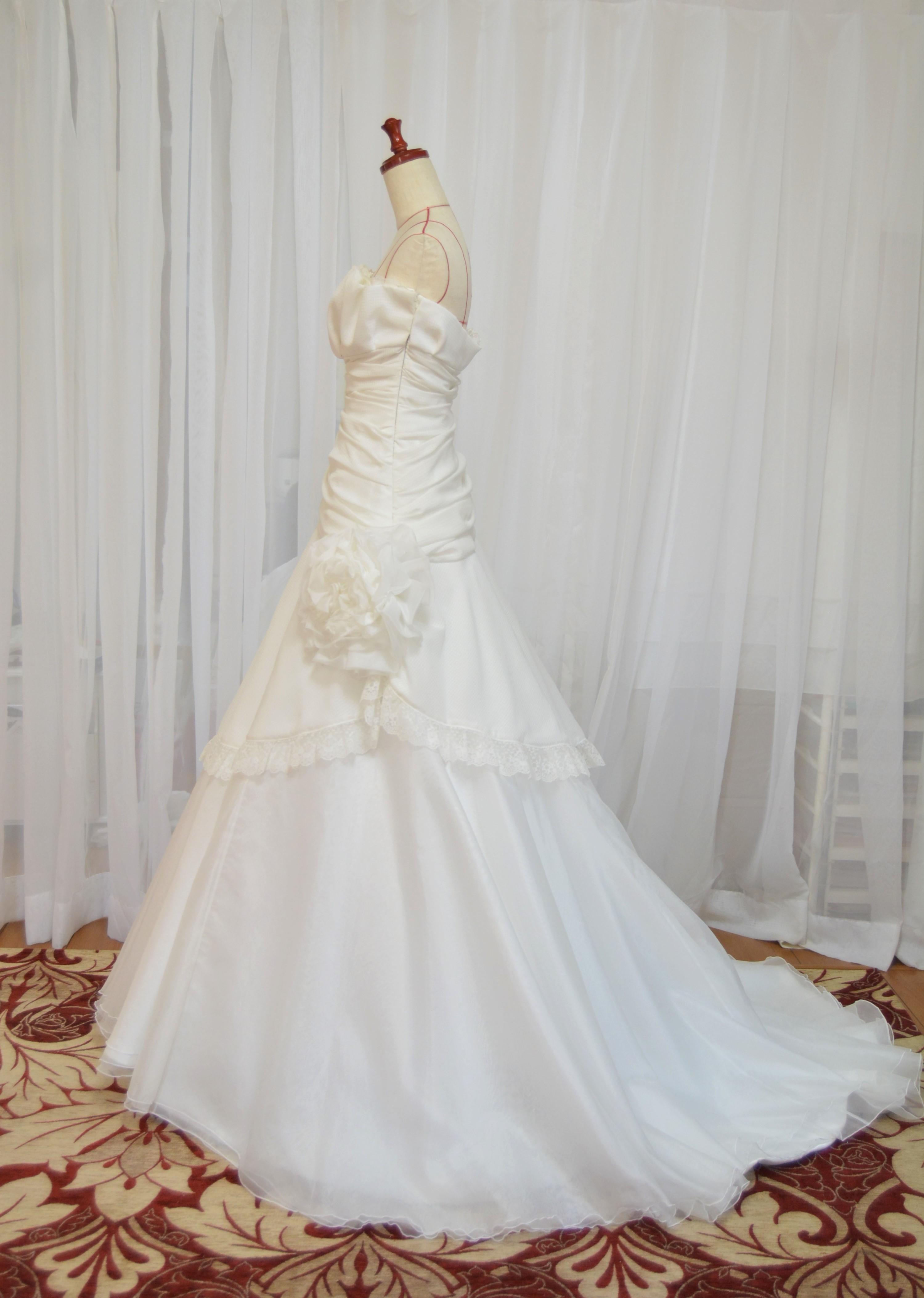 hanayomesalon  ソフトマーメイドライン ウエディングドレス