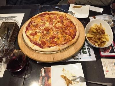 170102スライシーズお肉たっぷりピザとハワイアンピザのハーフ&ハーフ2000円