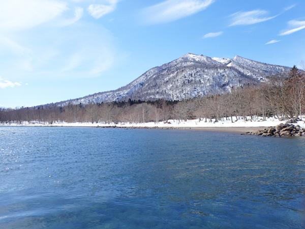 支笏湖残雪01