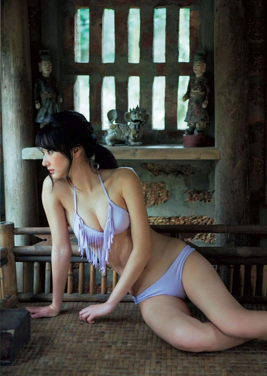 「週刊プレイボーイ 2017年 2/13 号」武田玲奈の水着グラビア