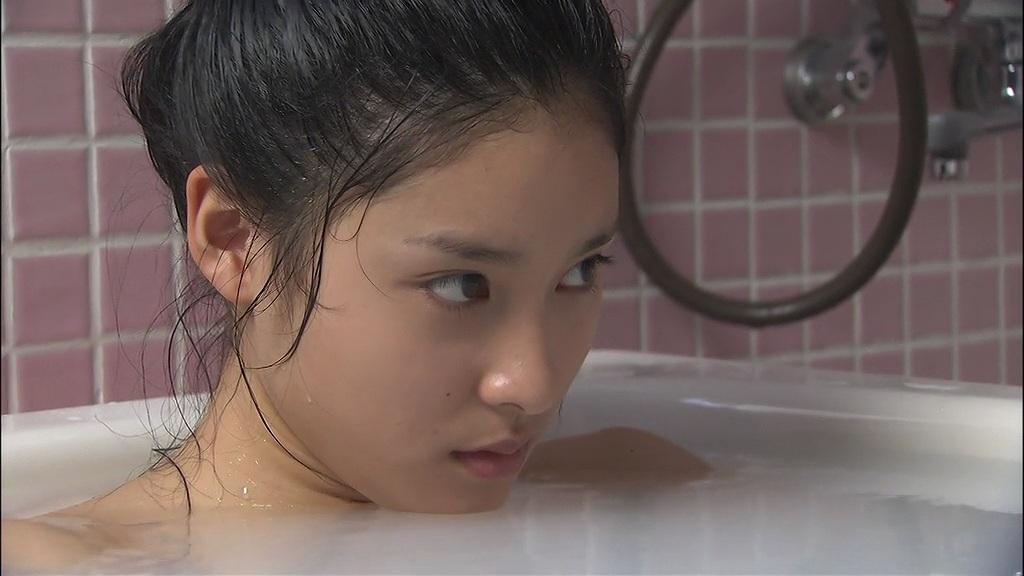 土屋太鳳の入浴シーン