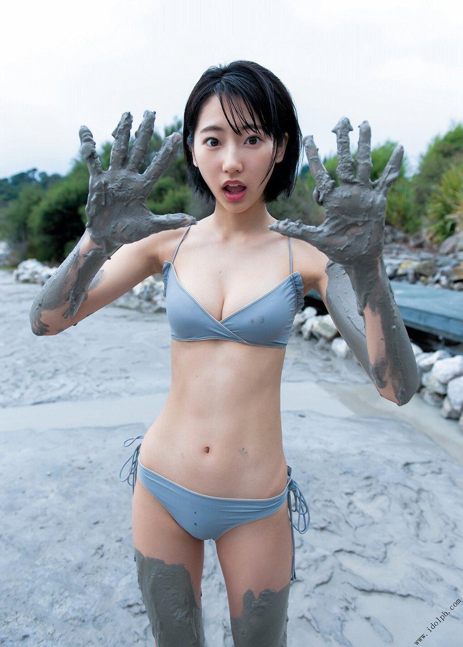 武田玲奈の水着グラビア