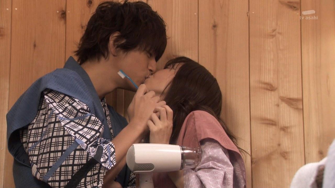 ドラマ「奪い愛、冬」の倉科カナと三浦翔平のキスシーン