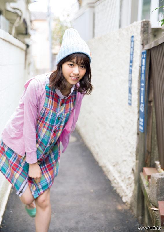 「ヤングマガジン 2017年15号」西野七瀬の着衣グラビア